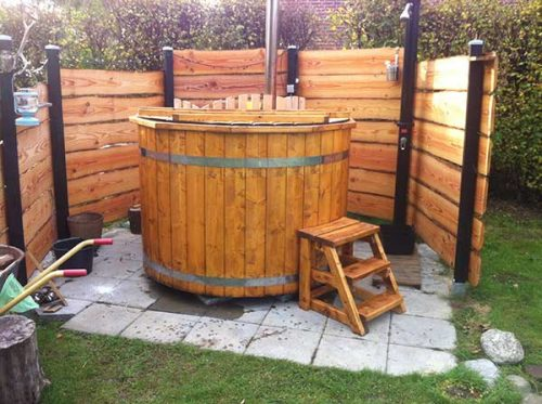 pic wooden hot tub