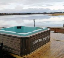 Pic The-Best-Hot-Tub-accessories