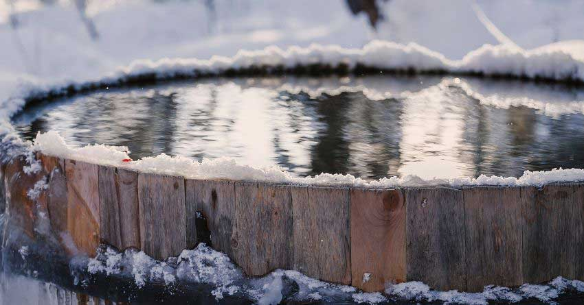 pic wood-fired-hot-tub-winter-3